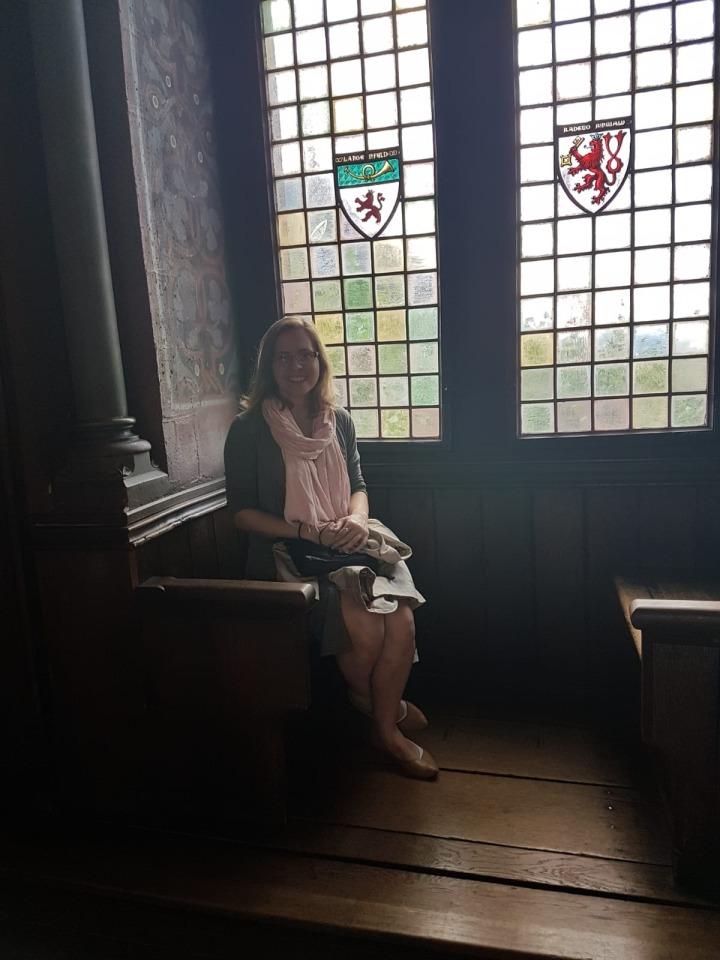 Schloss Burg Hall.jpg